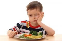 bambin mangia verdura.jpg